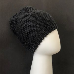 New Grungy Dark Gray Black Knitted Beanie Hat